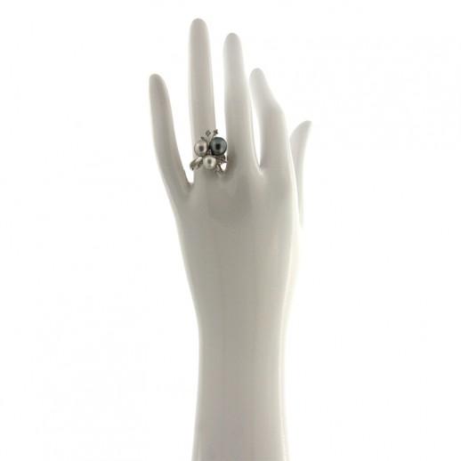 Anello Damiani in Oro Bianco con diamanti e perle nera bianca e grigia